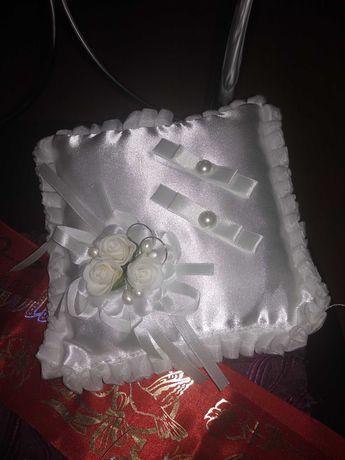Подушка под кольца свадебные