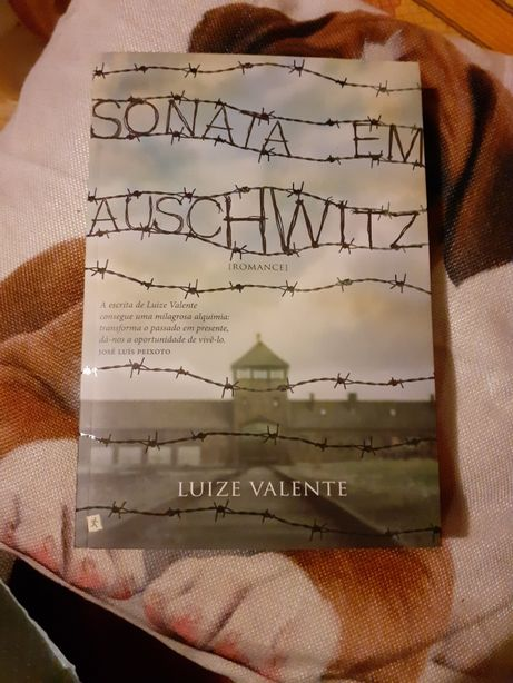 Sonata em Auschwitz de Luize Valente