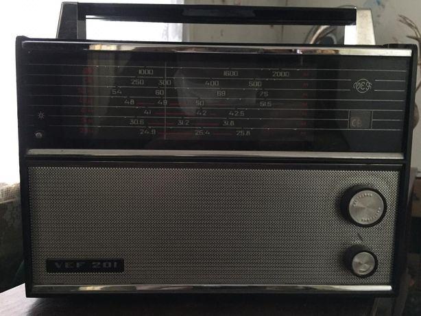 Продам радиоприемник VEF 201