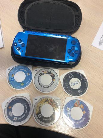 PSP 3004 blue + etui + 6 gier