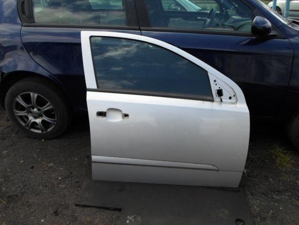 Opel Astra H , 1.9 CDTI, 2006 rok, kombi - drzwi kompletne prawy przód