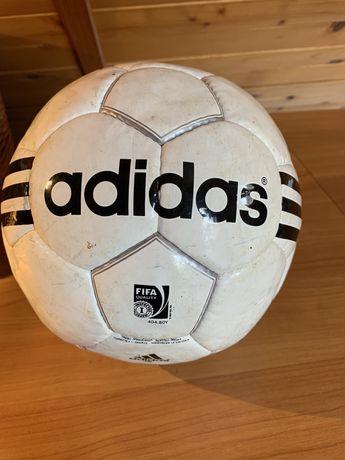Piłka niżna Adidas