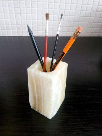 Подставка для карандашей-ручек. Оникс.