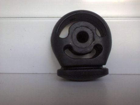 подушки крепления глушителя ВАЗ 2110