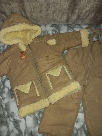 Зимний костюм комбинезон с курточкой на овчине в отличном состоянии