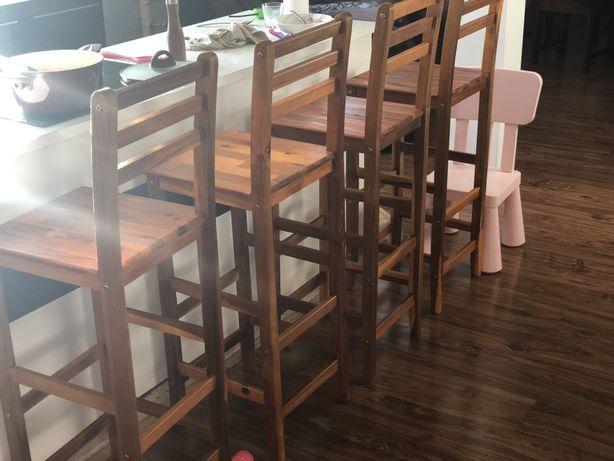 4 krzesla drewniane, hokery drewniane, kuchnia