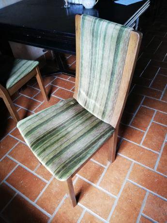 komplet 4 krzeseł drewniane