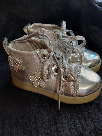 Ботинки, хайтопы, сапожки серебристые
