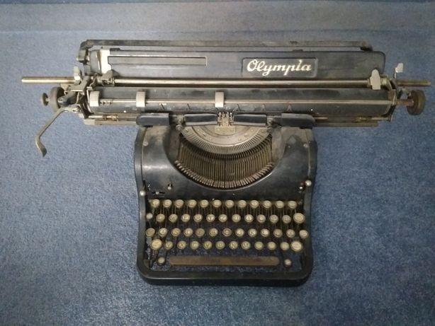 Stara maszyna do pisania Olympia