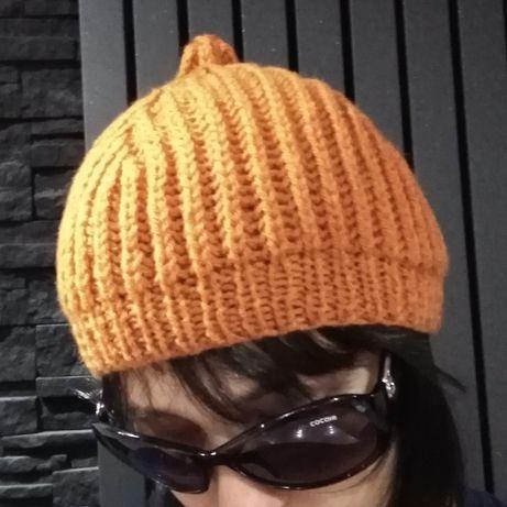 Wełniana pomarańczowa czapka