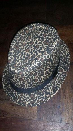 Kapelusz w panterkę plus jeansowy kapelusz gratis