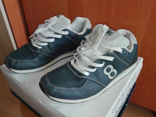 Buty sportowe na sznurówki, wygodne, rozmiar 37