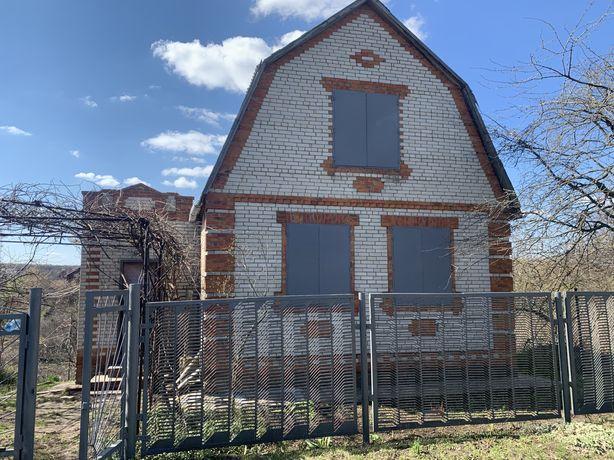 Продам двух этажную дачу в Верхнем Песчаном, Кирпичный дом с подвалом.