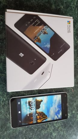 Смартфон Microsoft Lumia 550 телефон