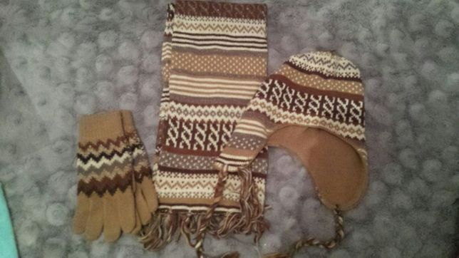Komplet zimowy damski/ dziewczęcy C&A czapka szalik rękawiczki