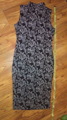 Sukienka czarna rozmiar 40 w kwiaty