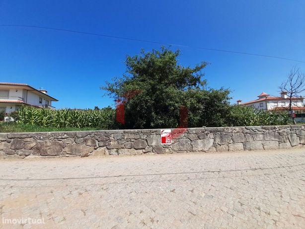 Terreno em Meroussos - Barcelos
