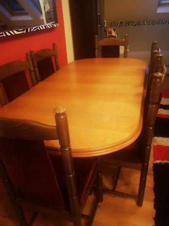 Stół masywny i sześć krzesel