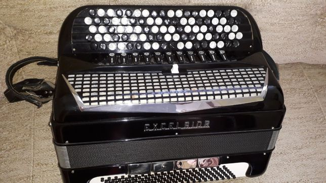 Akordeon Excelsior 120 bas 4 chóry picollo