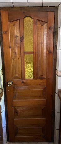 Двері деревяні.