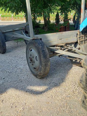 Wóz ciągnikowy z hamulcem