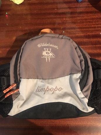 Фирменная сумка на пояс