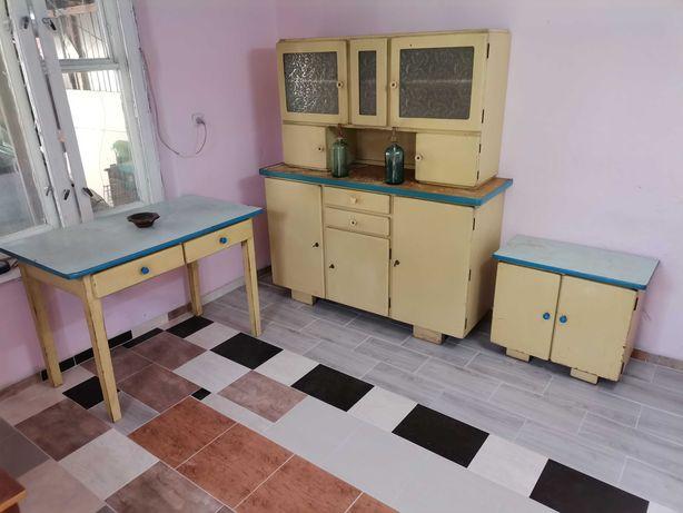 Zestaw mebli kuchennych PRL - do renowacji.