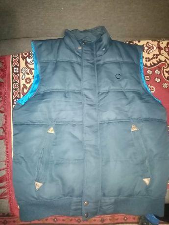 Безрукова жилетка куртк6