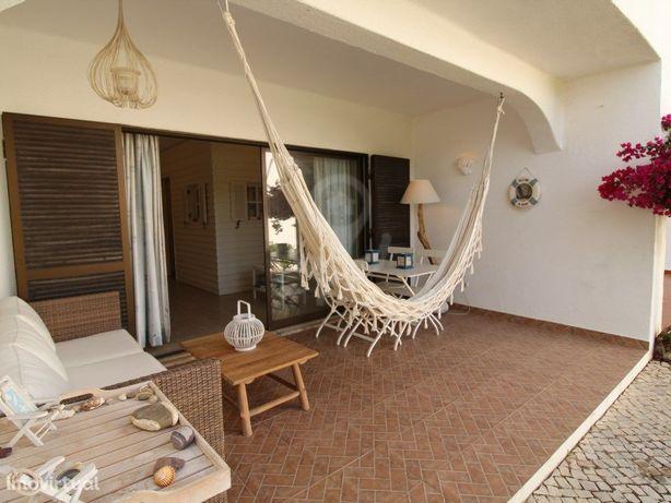 Apartamento T1 para Férias com Piscina em São Rafael – Al...
