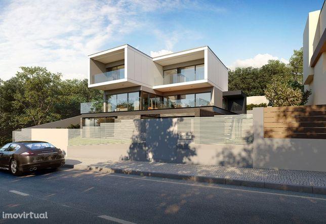 Moradia 6 assoalhadas junto ao Monte Estoril-Projeto Draft In
