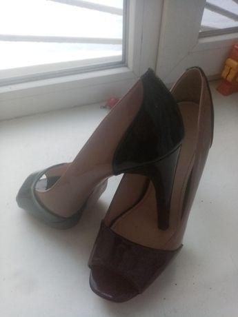 Продам туфли 39 р