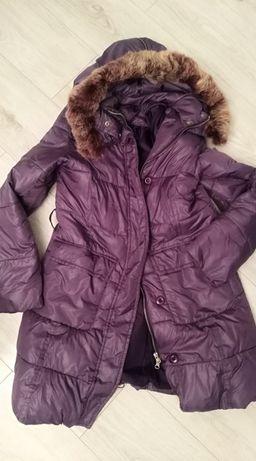 Śliwkowy płaszcz damski jenot futerko naturalne fioletowy M 38