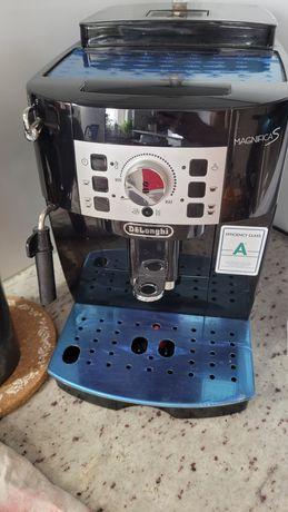 Ekspres do kawy DeLonghi Magnifica S ECAM 22.110.B