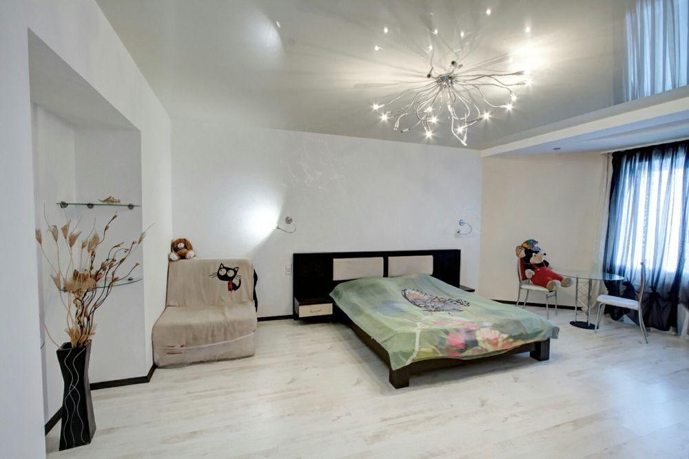 Квартира посуточно почасово Черемушки своя панорамный вид-1