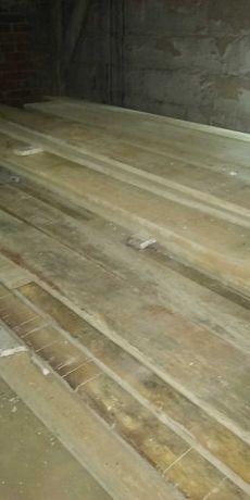 Deski szalunkowe różna długość i szerokość.