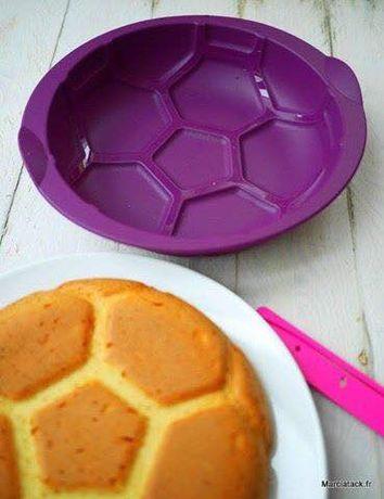 """Forma de Silicone para bolos """"Formato bola"""" Tupperware"""