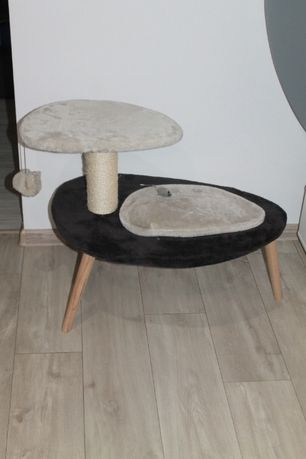 Designerski drapak legowisko dla kota.