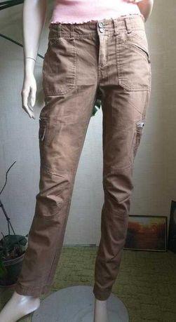 Коричневые брюки mango