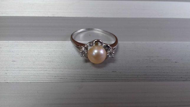 На подарок! Шикарное серебряное кольцо. Натуральный жемчуг и фианиты.
