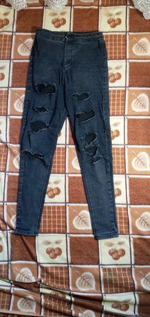 Рваные джинсы темные