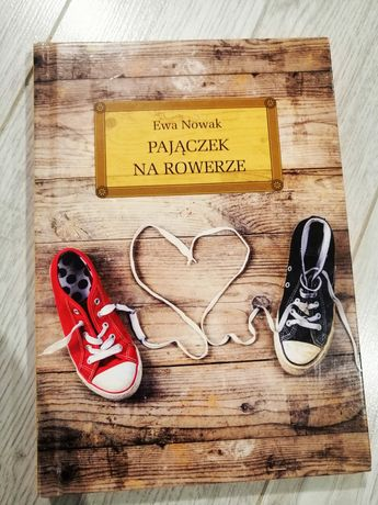Książka lektura Pajączek na rowerze Ewa Nowak lektura klasy 5