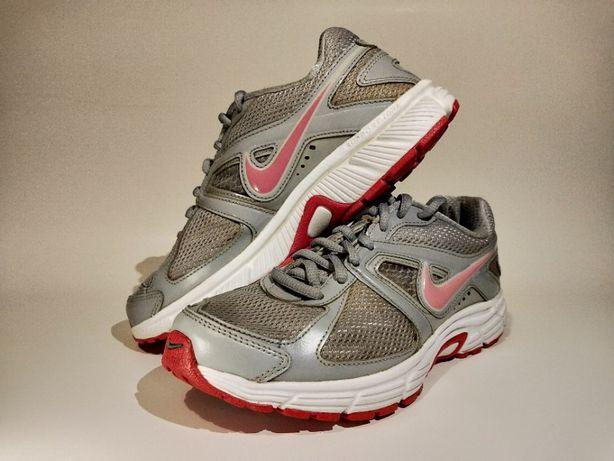Damskie buty marki Nike (rozmiar 37,5)