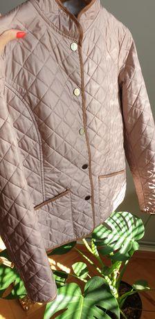 Beżowa pikowana kurtka na zatrzaski 40