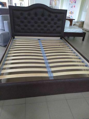 Кровать новая 1600×2000 и диван.
