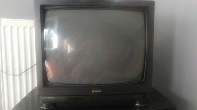 Telewizor Funai 1990 rok zabytek