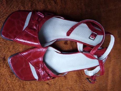 Wyprzedaż 70% obniżka-buty letnie damskie bordowe-rozm.37