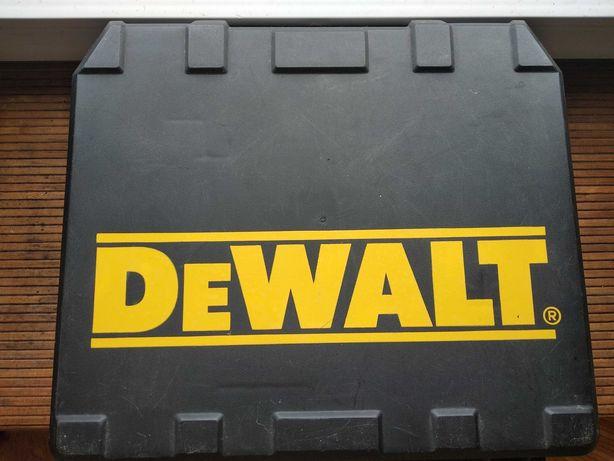 Dewalt 927 два литиевых аккумулятора 3 а/h вольтметр полный комплект