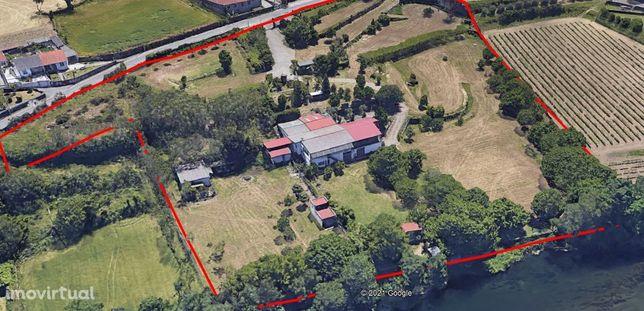 Excelente propriedade com 30.000 m2 nas margens do Rio Cávado.