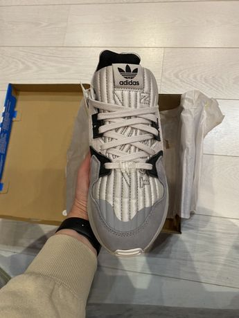 Нові кросівки adidas Originals ZX Torsion, сірі