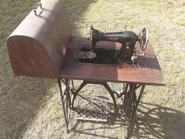 Bardzo stara maszyna do szycia